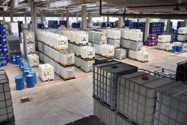 intérieur d'un entrepôt